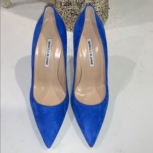 MANOLO BLAHNIK ELECTRIC BLUE SUEDE NEVER WORN 8.5